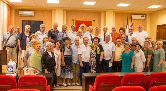 В Керченском городском совете принимали делегацию ветеранов из Санкт-Петербурга
