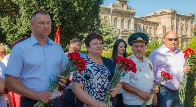Керчь отмечает 47-ю годовщину присвоения звания Город-Герой