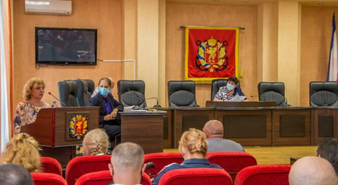 На 30-й сессии горсовета приняли решения о ремонте городских улиц и дополнительному проценту НДФЛ, остающемуся в местном бюджете