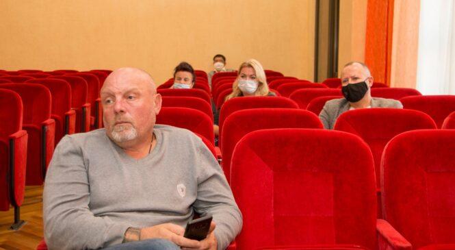 В горсовете провели заседание депутатские комиссии по обращению литобъединения