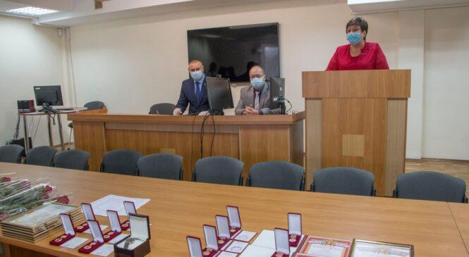 Сотрудников налоговой инспекции поздравили с профессиональным праздником