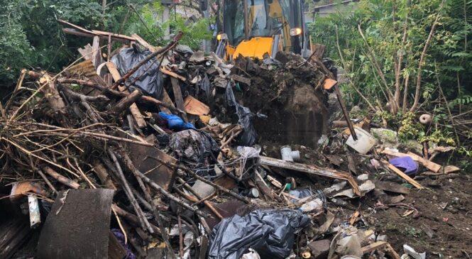 В Керчи убрали несанкционированные свалки на 15 адресах