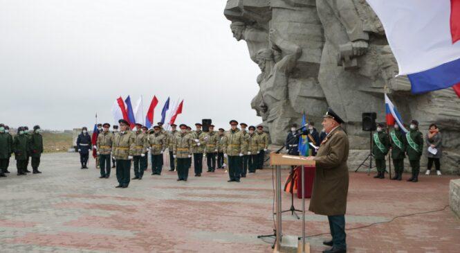 Керчь присоединилась к Всероссийской акции «Горсть памяти»