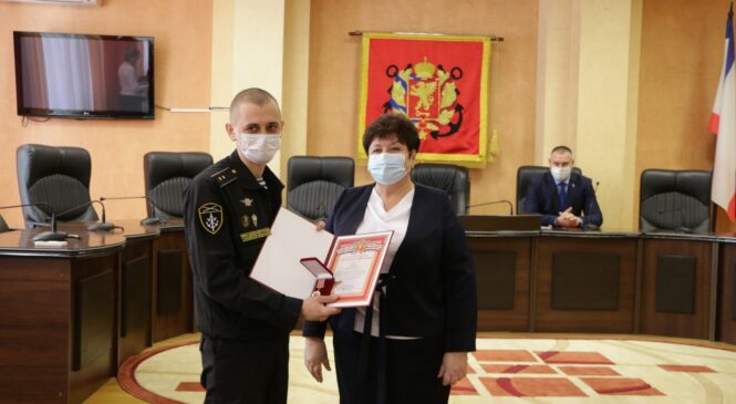 В Керчи поздравили настоящих мужчин с Днем защитника Отечества