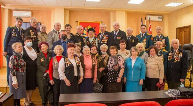 В преддверии Дня освобождения города-героя руководство города проводит встречу с ветеранским активом