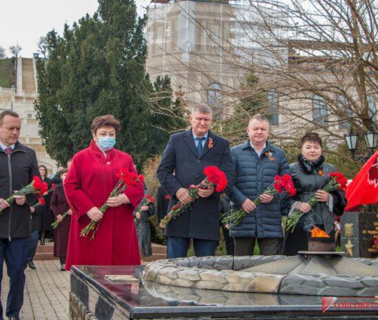 В Керчи празднуют День освобождения города-героя