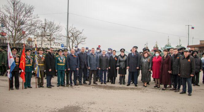 Над Керчью в День освобождения города-героя прогремел «Выстрел памяти»