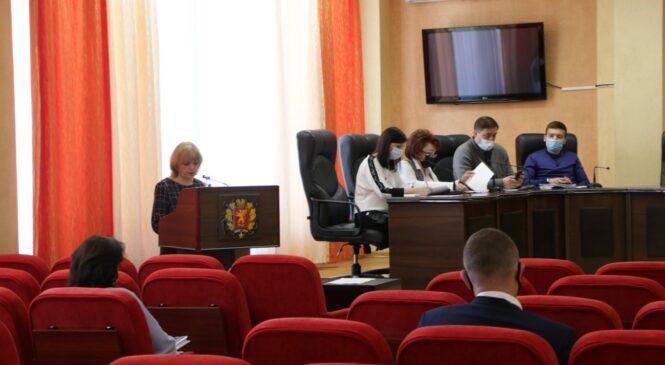 В Керчи прошли публичные слушания по обсуждению проекта решения «Об утверждении годового отчета