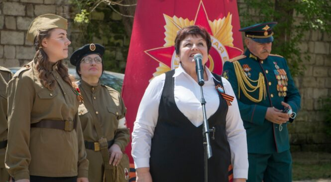 Персональный парад Победы прошел под окнами ветерана Нины ГЕРАСИМЕНКО