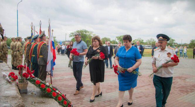 В Керчи провели митинг, посвященный 79-й годовщине героической обороны Аджимушкая