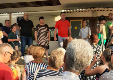 Встреча депутатов и главы администрации с жителями подтопленных улиц прошла на базе школы №4