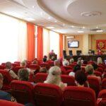 Руководство города провело встречу с жителями пострадавшего от взрыва дома по ул. Кирова, 93