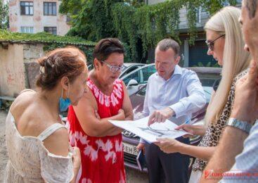 В Керчи продолжаются встречи во дворах, пострадавших от подтопления