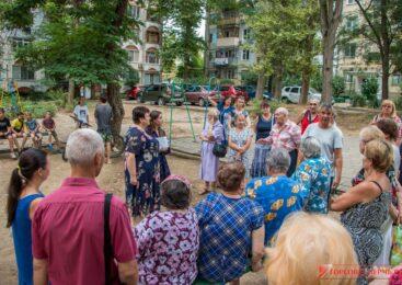 Ольга СОЛОДИЛОВА провела встречи с жителями на улицах Всесоюзной, Сморжевского и Генерала Петрова