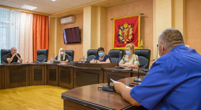 12 августа состоялись публичные слушания по внесению изменений в Устав муниципального образования