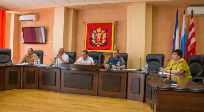 На заседании оперативного штаба по ликвидации ЧС доложили о ситуации в городе на утро 18 августа