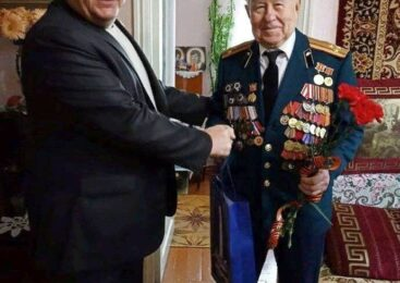 Депутат Георгий ТРИГУБЕНКО поздравил проживающих на округе ветеранов с Днём пожилого человека